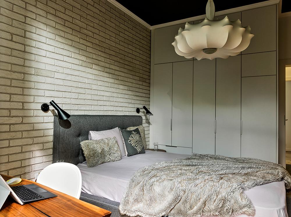 Интериорен дизайн на спалня, бюр и офис в спалня