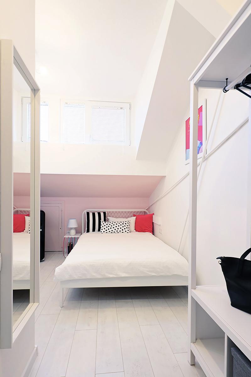 дизайн на таван, идеи за таванско, розова стая
