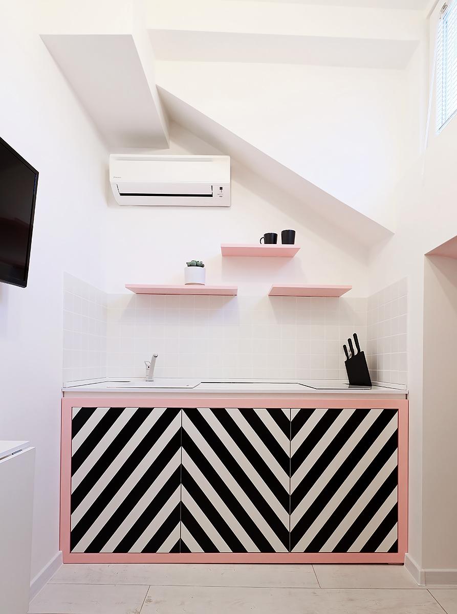 кухня.мдф.боя.цветна, розово, черно бяла кухня