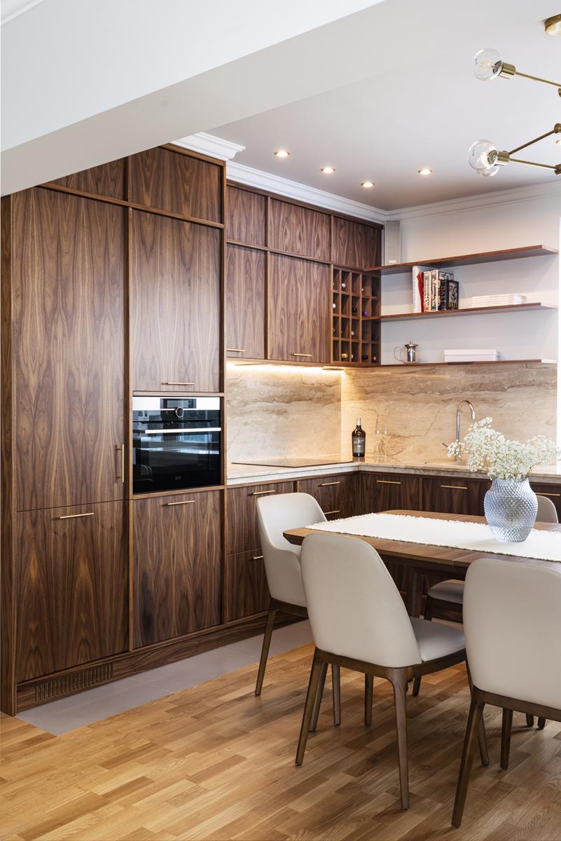 класическа кухня, орех, италиански дизайн